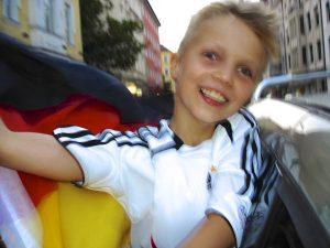Foto von Sonja Wessel: Fußballfan glücklich über den Sieg der Deutschen