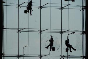 Foto von Sonja Wessel: Fensterputzer am Flughafen